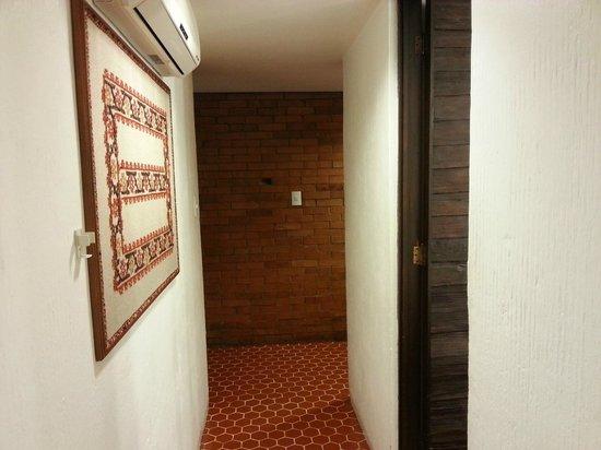 Suites Amberes : Pasillo