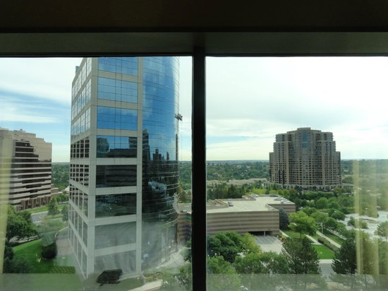 Hyatt Regency Denver Tech Center: higher floor superior double room view-tech center side