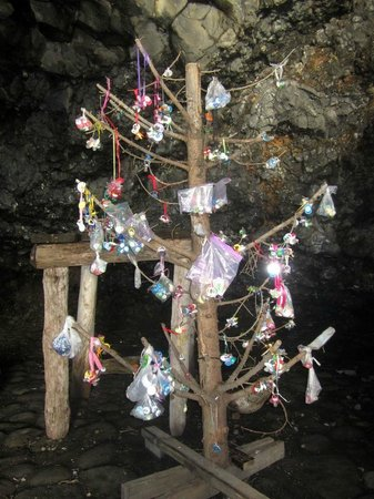 Hotel Berg: Dummy tree in the cave of the Giantess