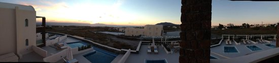 Astro Palace Hotel and Suites : Hotel view