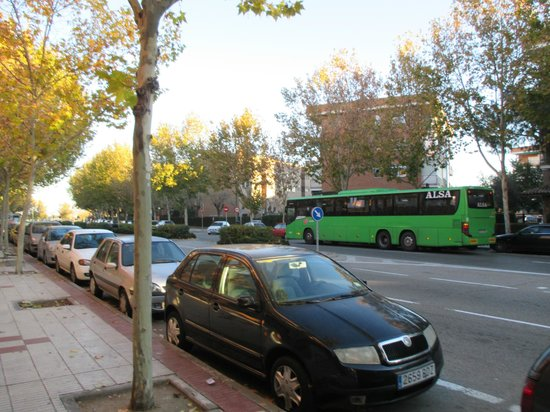 Hotel Villa De Barajas : на выходе из отеля