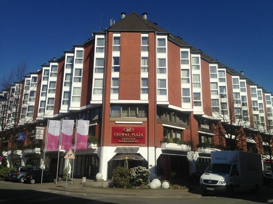 Crowne Plaza Hotel Hannover: Outside view