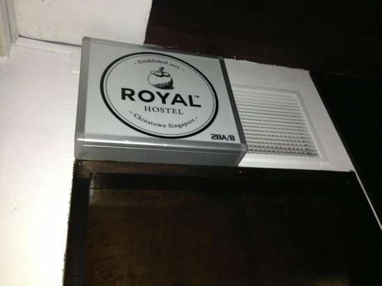 Royal Hostel Singapore: Climb the stairs to the second floor to the reception desk