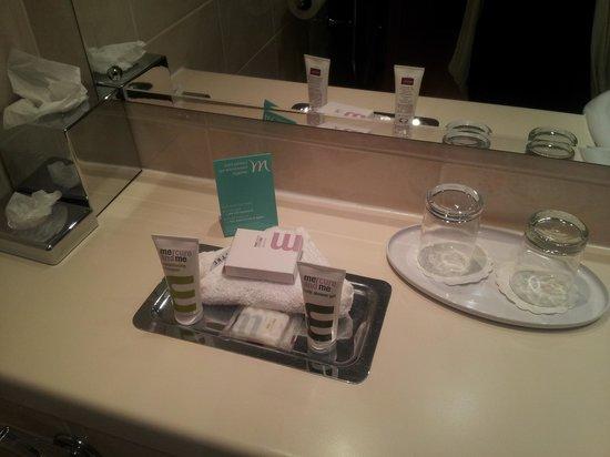 Last Drop Village Hotel & Spa : bathroom