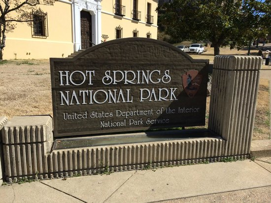 Hot Springs National Park: Sign