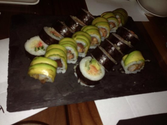 Chef 39 s choice maki picture of kyo bar japonais montreal for Aix cuisine du terroir montreal