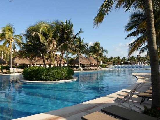The Bliss Resort: Awesome Pool!