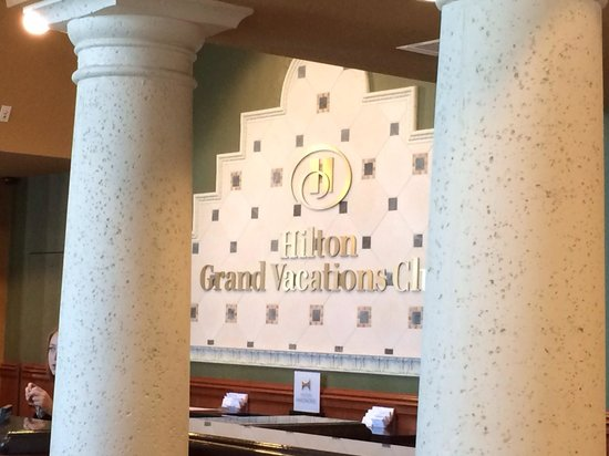 Hilton Grand Vacations at Tuscany Village: Beautiful surroundings & staff.