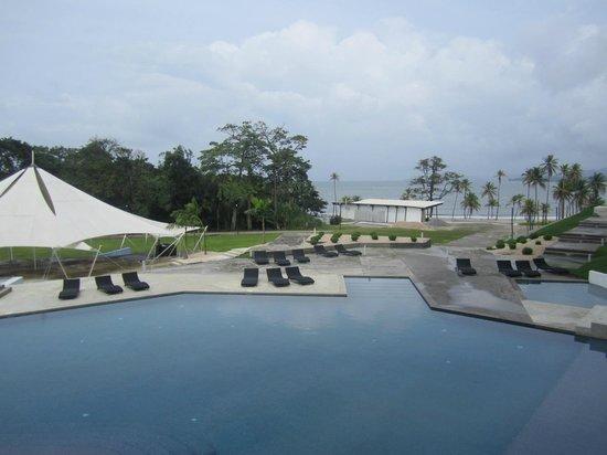Bala Beach Resort: pool