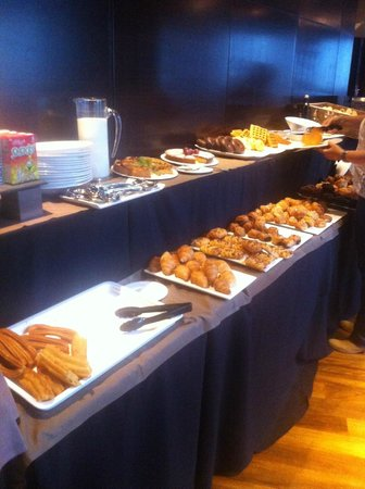 Eurostars Madrid Tower: Desayuno