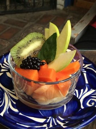 Lavanda Cafe: Fresh Fruit Bowl