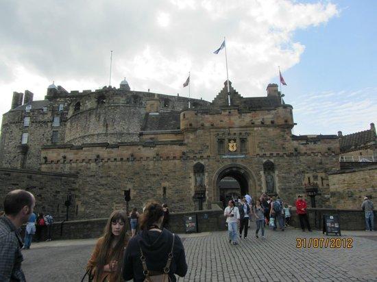 Edinburgh Castle: Entrada al castillo de Edimburgo