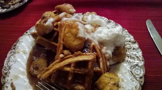 Red Bud Manor: Breakfast of Waffles and Bananas Foster