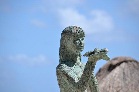 Azul Beach Resort Riviera Maya: Around the grounds.