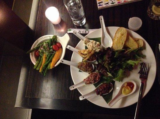 Délice Resto Lounge : Supers tartares le jeudi. Essayez les avec des légumes en accompagnement.