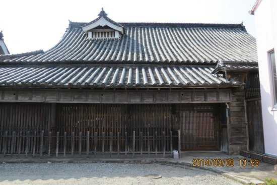 Shimmachi Street: 日本最古の民家 栗山邸