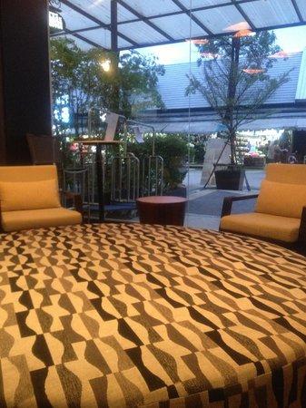Ashlee Hub Hotel Patong : Centra Ashlee - Lobby Area