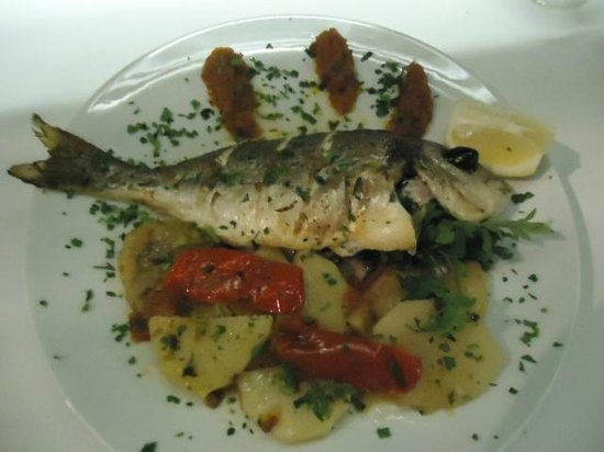Palais Faraj Suites & Spa: Grilled fish, very yummy!