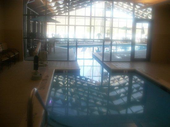 Flintstone, MD: Indoor Heated Pool