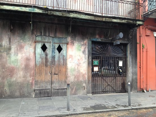 Preservation Hall: Outside