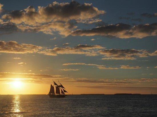Sebago Water Sports Day Tours: Scene from Sebago Sunset Cruise