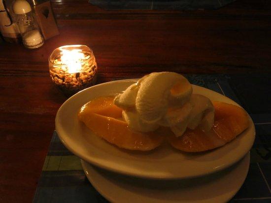Mayas Native Garden Restaurant: Mango with Vanilla ice cream