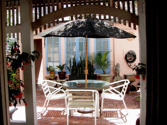 B&W Courtyards: Back patio