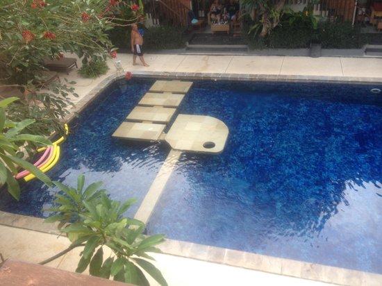 Rama Garden Hotel Bali: Rama Garden - The pool that all rooms face
