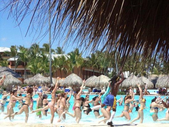 Iberostar Dominicana Hotel: Actividades del hotel (aquagym)