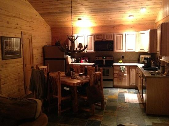 Cabins at Hartland Ranch: kitchen with full-sized appliances and everything you could need