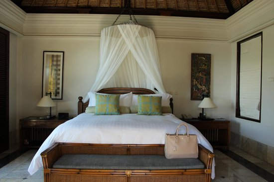 Four Seasons Resort Bali at Jimbaran Bay: the bed