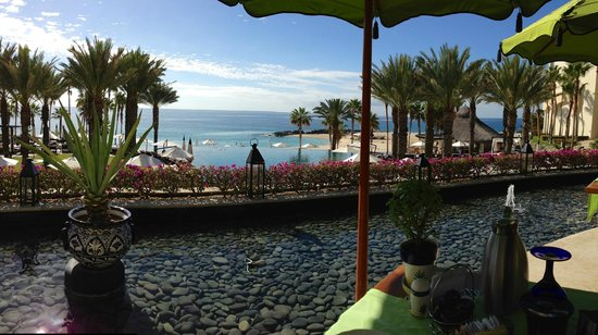 Hilton Los Cabos Beach & Golf Resort : View from breakfast table