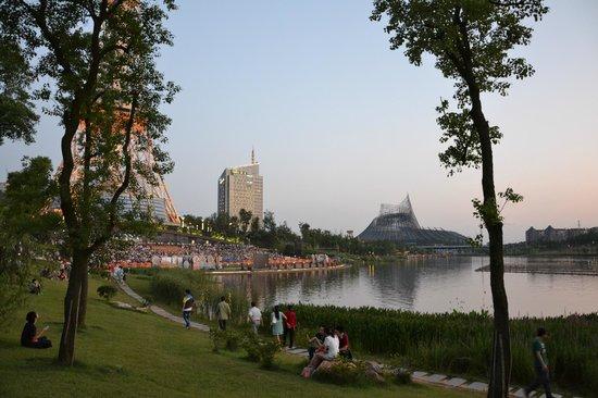 Zhuzhou Radio And Television Tower: Feierabend im subtropischen Zhuzhou