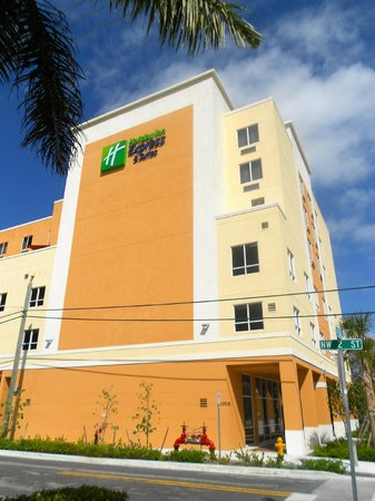 Holiday Inn Express & Suites Fort Lauderdale Airport South : Our Hotel
