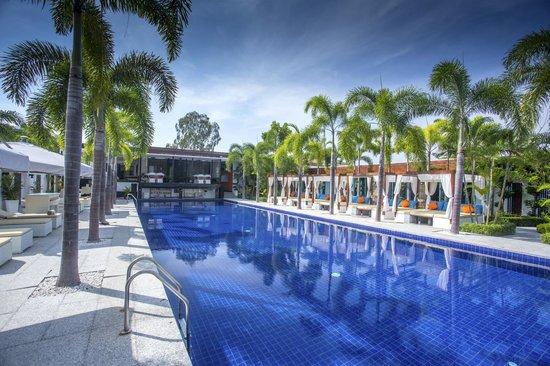 Black Lotus Resort & Spa: Main Pool with cabanas