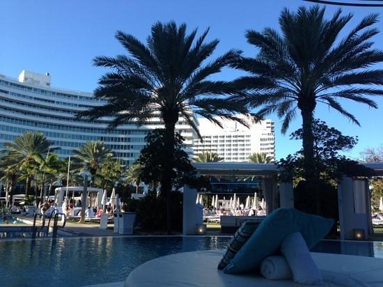 Fontainebleau Miami Beach: pool
