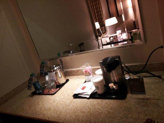 Sheraton Suites Orlando Airport: Living 2