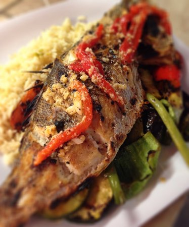 Camellia Street Grill: Fresh Snapper Dinner