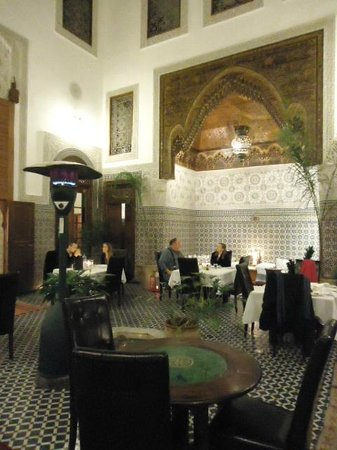 Dar Roumana : Great dining place!