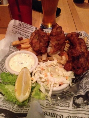 Topside Bar & Grill: Fish and chips!