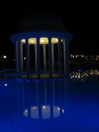 Iberostar Varadero: Really pretty at night