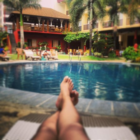 Best Western Boracay Tropics Resort: pool side