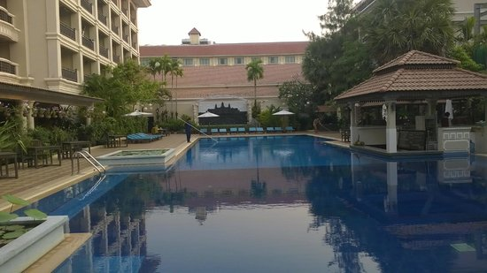 Hotel Somadevi Angkor Resort & Spa: lovely pool
