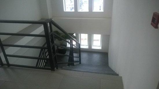 Kolab Sor Phnom Penh Hotel: stairs