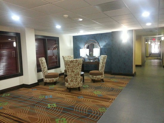 Holiday Inn Express & Suites: New lobby , too