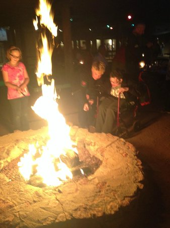 Fort McDowell Adventures : fun at one of the many fire pits