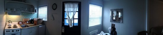 McBee Cottages: Room
