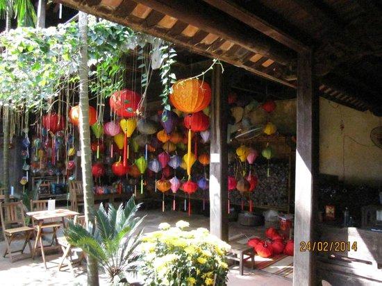 Hoi An Handicraft Workshop: The courtyard