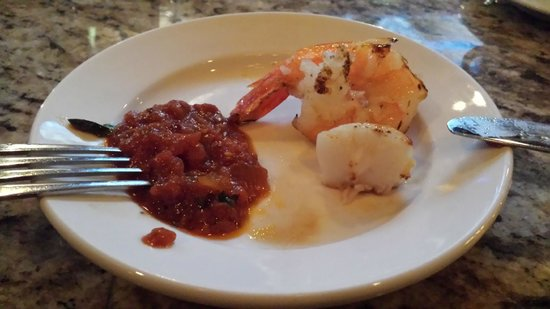 Pensare Italian Bistro: Shrimp and scallop with spicy marinara