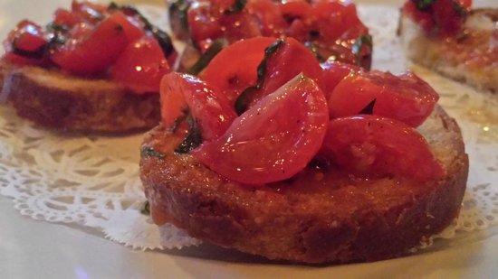 Pensare Italian Bistro: Bruschetta